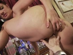 Ava Rose gives Violet Monroe wonderful tip with mouth and fingers